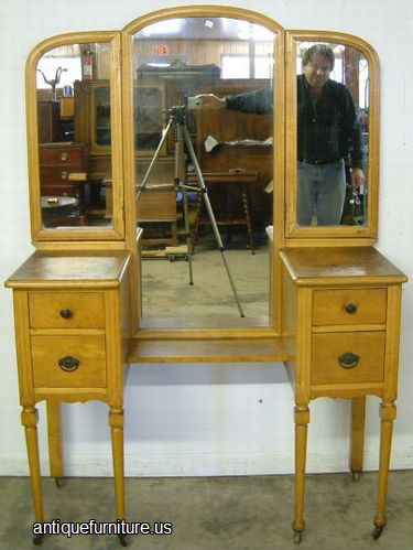 Captivating John Reinhart Antique Picker At Antique Furniture.US