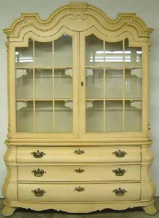 antique henredon china cabinet at antique furniture
